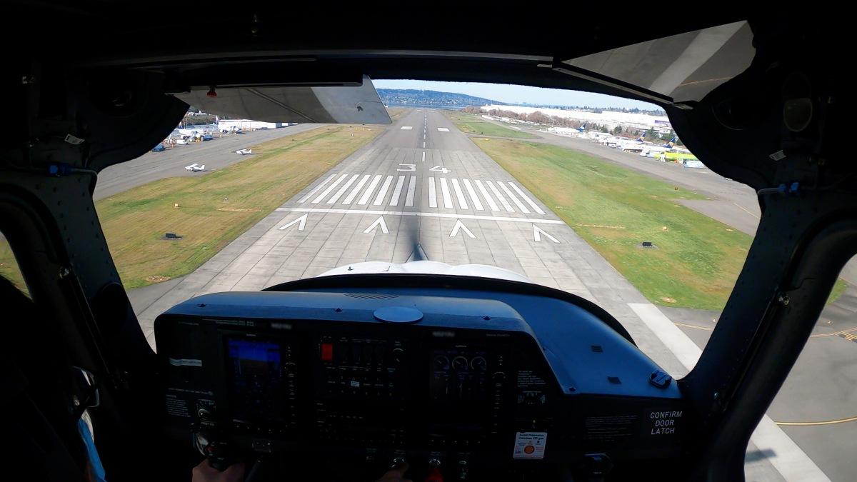 初のソロ飛行